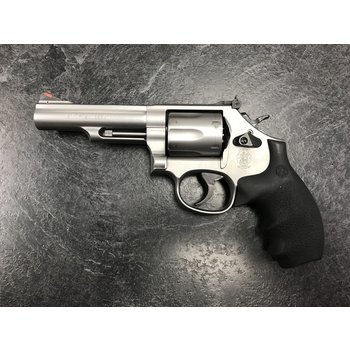"Smith & Wesson Model M66 357 Mag 4.25"" Stainless Revolver w/2 Grips"