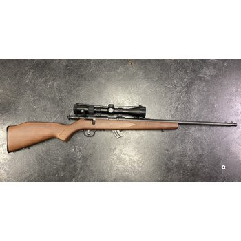 Savage Mark II Bolt Action 22 LR w/Simmons 3-9 Scope & 2 Mags