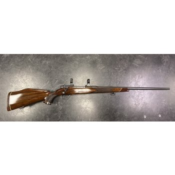 Weatherby Mark V 8x68S Custom Bolt Action Rifle w/EAW Quick Release 30mm Mounts