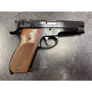 """Smith & Wesson Model 39 9mm 4"""" BBL Semi Auto Pistol w/2 Mags (Prohibited)"""