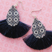 5278 TEARDROP EARRINGS WITH FRINGE