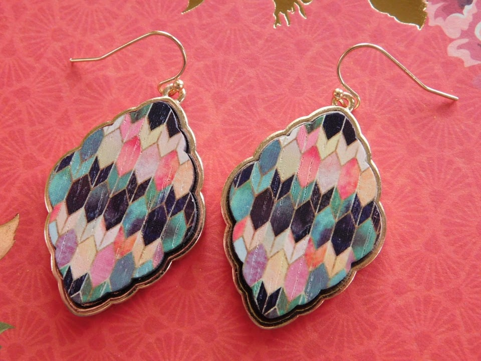 5288 METAL MULTICOLORED EARRINGS W/SCALLOPED EDGE