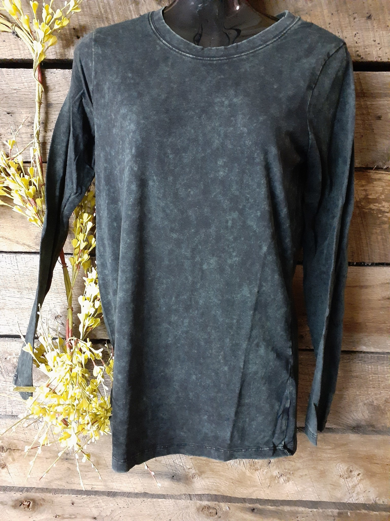 1294 MINERAL WASH LONG SLEEVE ROUND NECK TEE
