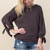 1301 3/4 SLEEVE TOP WITH STONES AND TIE DETAIL