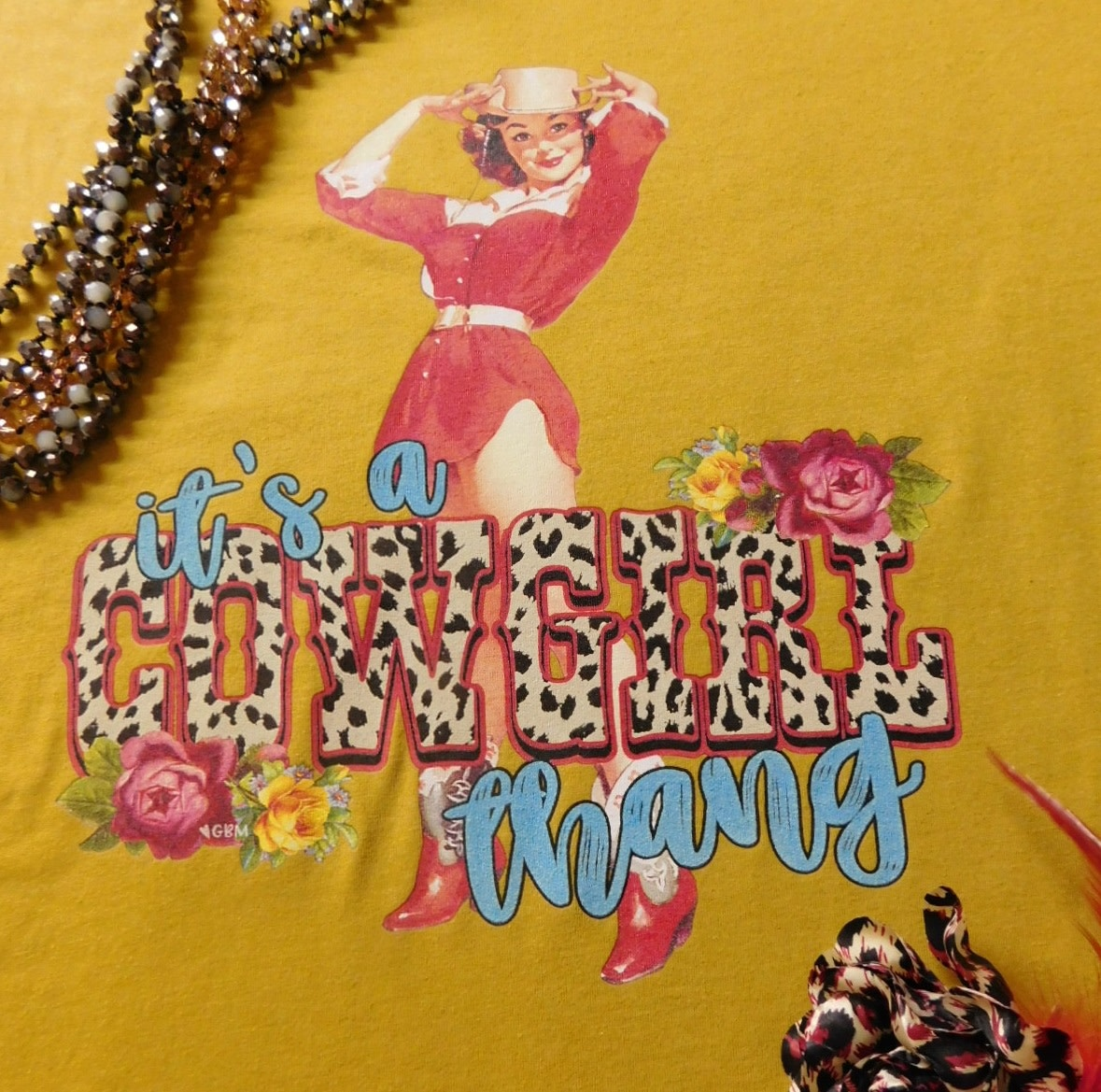 1317 COWGIRL THANG VINTAGE TEE