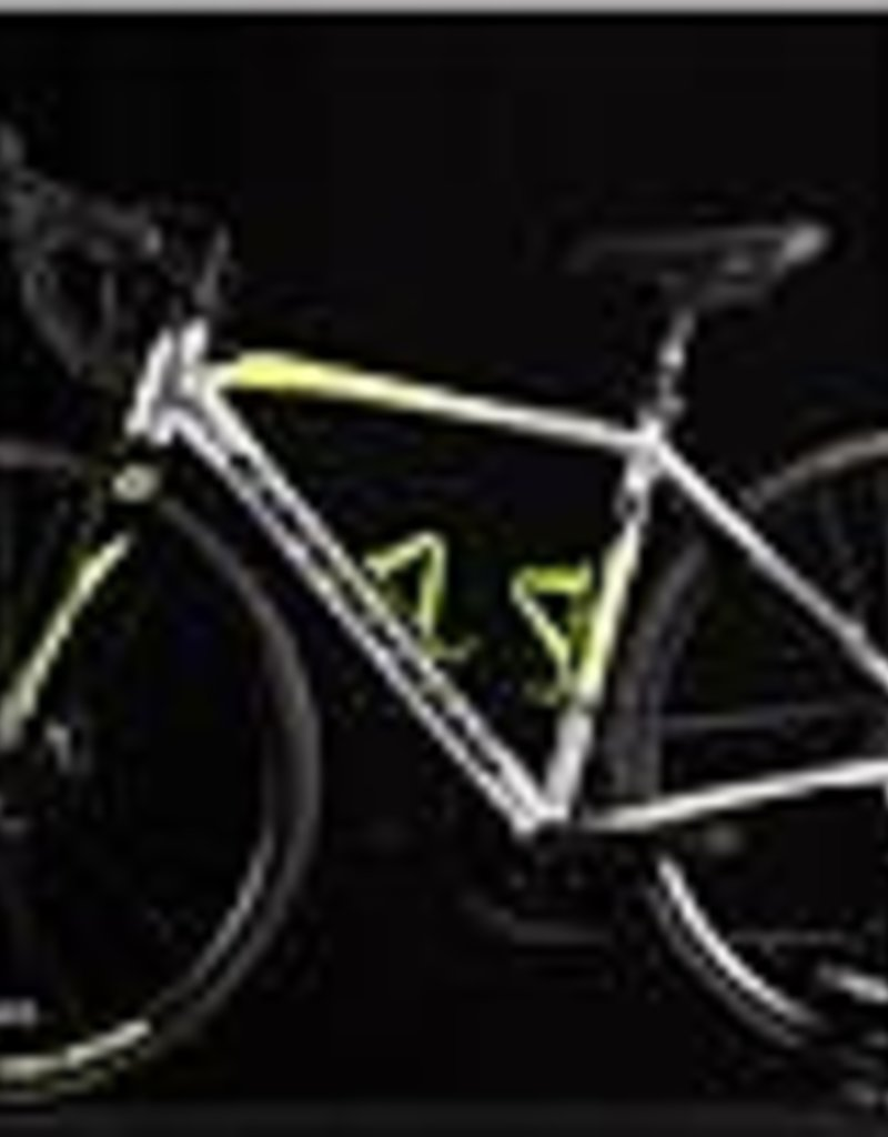 Cannondale 2017 Cannondale Synapse Alloy 105 Disc Size 48cm Road Bicycle Shimano 105