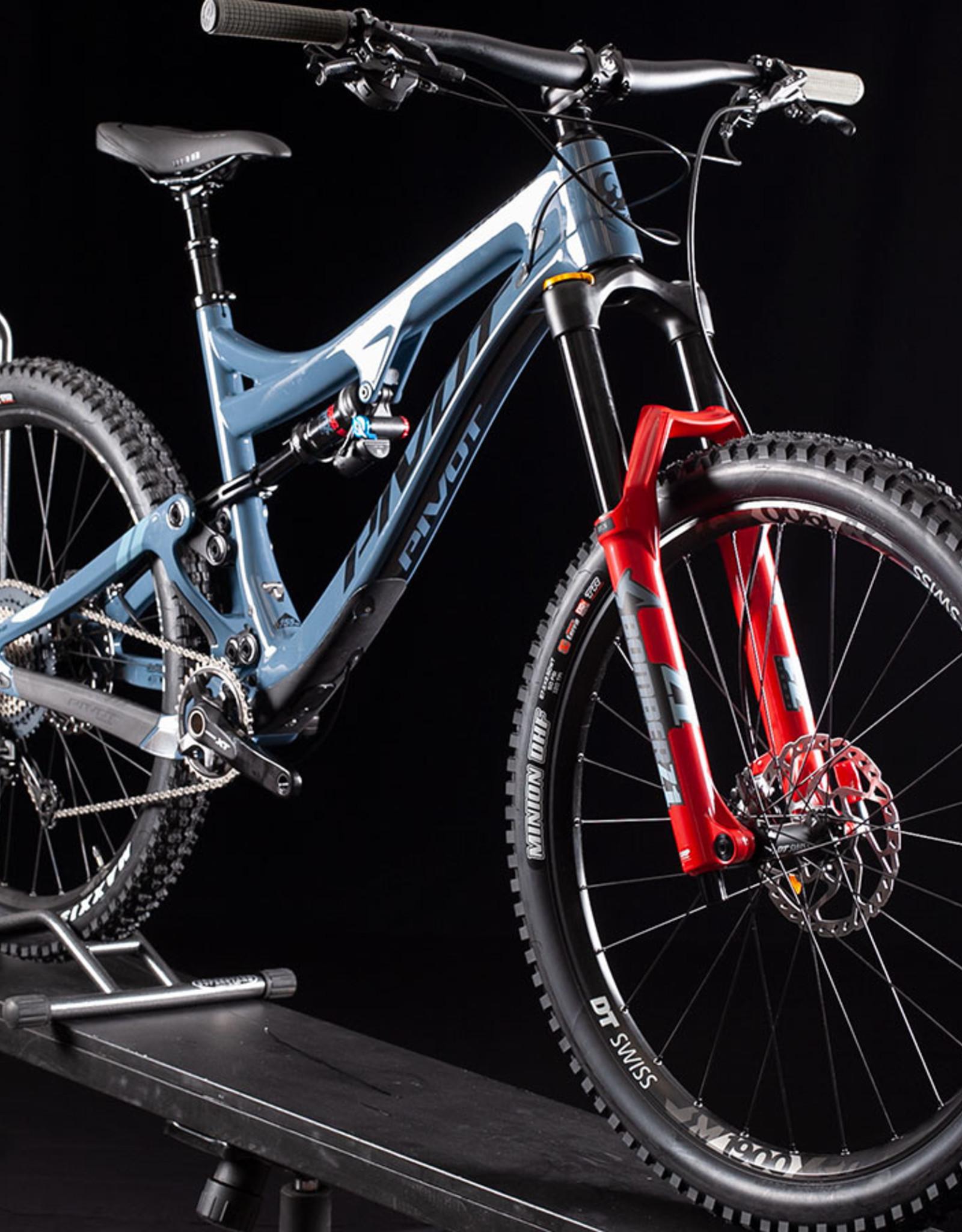 2020 Pivot Mach 6 XT Special Carbon Mountain Bike, Mirage Blue