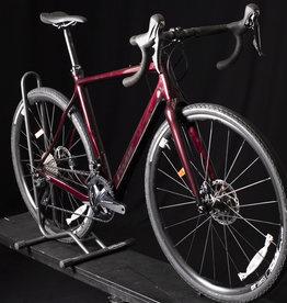 2021 Pivot Vault Medium Gravel Bike Custom Build Firebrick Red, Ultegra