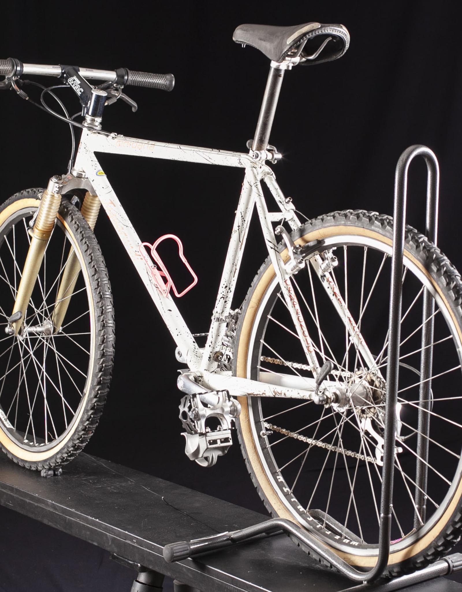 Vintage Giordana Jagarundi Mountain Bike, medium size, circa 1992 Campagnolo OR