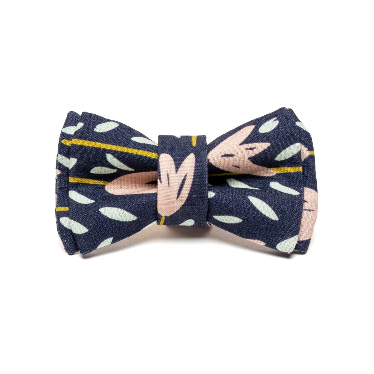 Eat Play Wag Eat Play Wag - Evening Meadow Bow Tie M