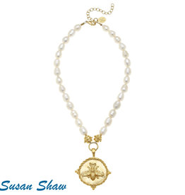 Susan Shaw Shaw Necklace Pearls/GOLD Bee Rope Medallion