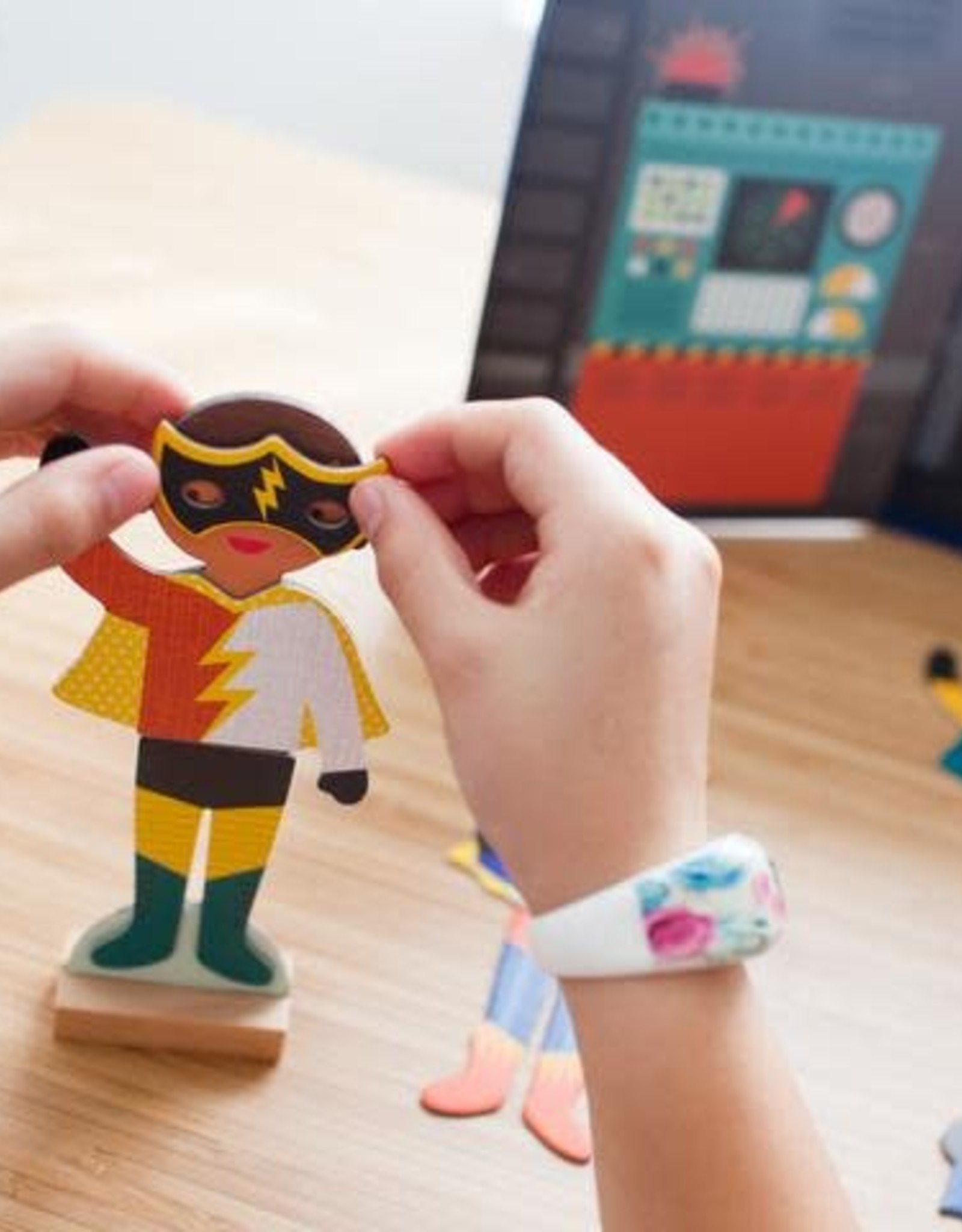 Petite Collage Magnetic Dress Up Superheroes