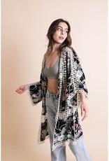 Leto Accessories Embroidered Floral Kimono