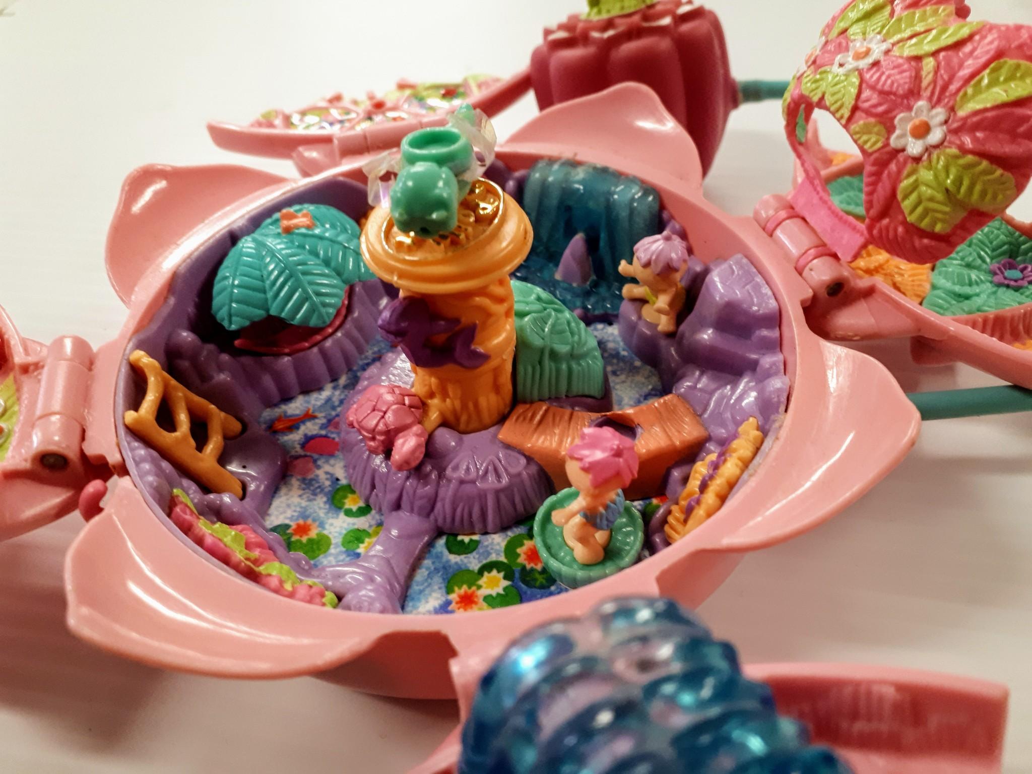 Bluebird Polly Pocket Fountain Fantasy 1996