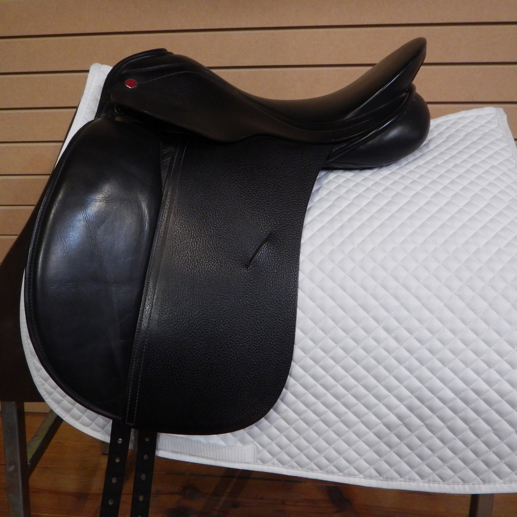 Albion Used Albion Style Dressage Saddle - T243