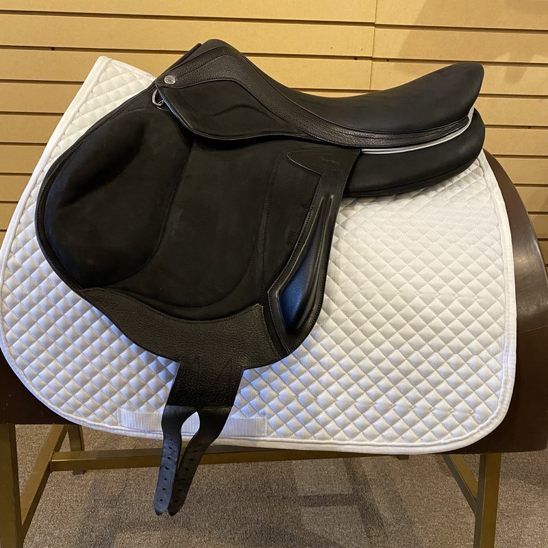 Used Devoucoux Chiberta Lab Eventing Saddle