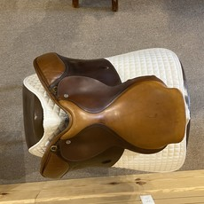 Used Crosby Excel H Jumping Saddle - T318