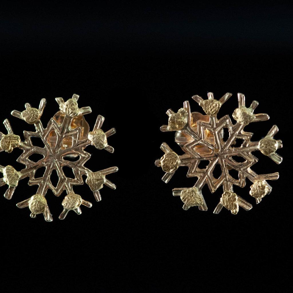 14kt Gold Snowflake ER w/22kt Nuggets