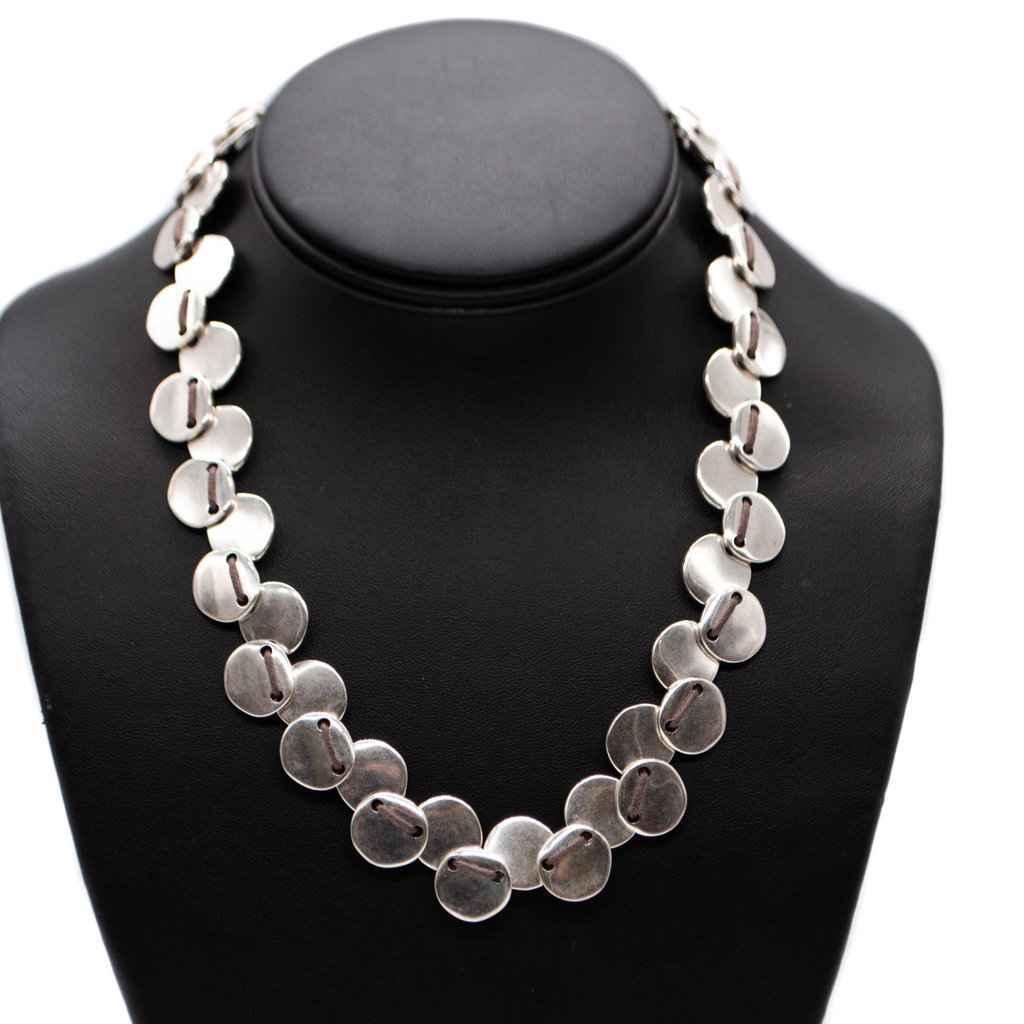 Making S's necklace Uno de 50