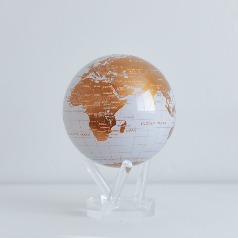 "White and Gold Globe 4.5"""