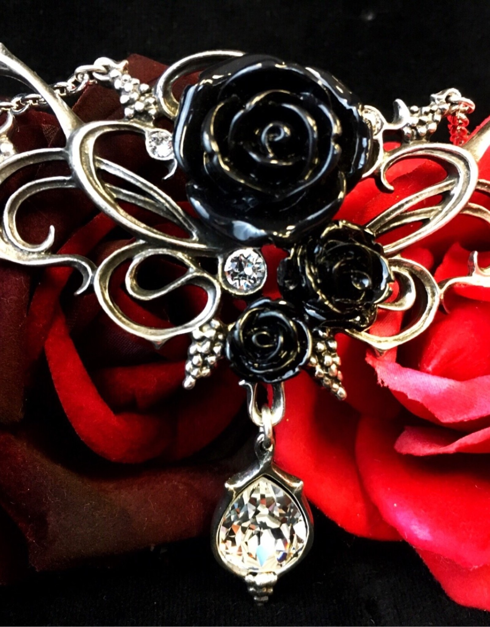 Pretty Strong Bacchanal Rose Necklace
