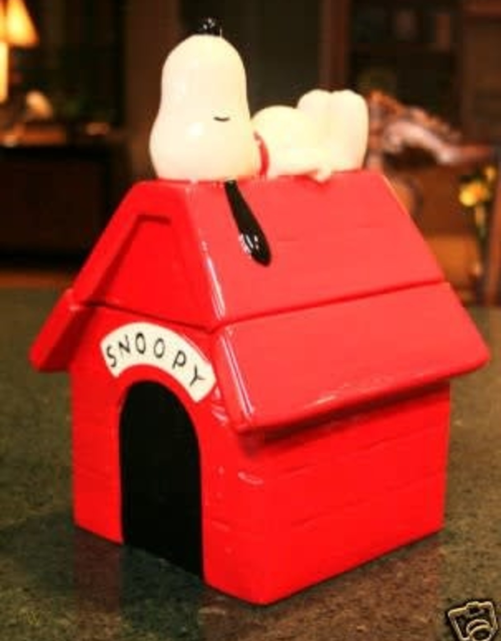 Pretty Strong Peanuts Snoopy House Cookie Jar