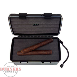Xikar 15 Count Travel Humidor- Black