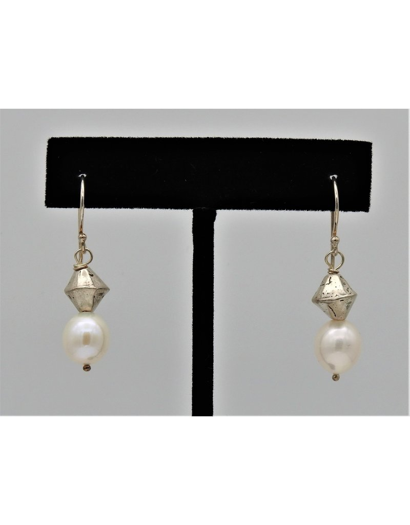Pam Springall PS-E89C SS/Wht Rice Pearls w/137 on wire