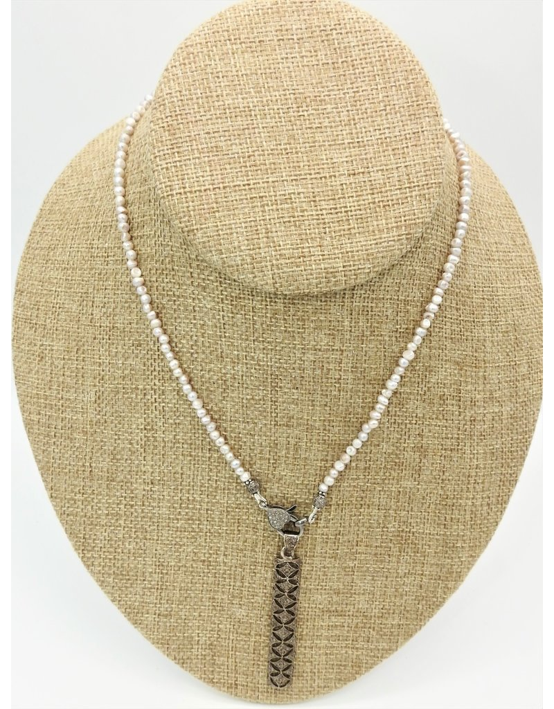 "Gildas Gewels 16.5"" Pearls w/Diamond Clasp  & Diamond Bar"