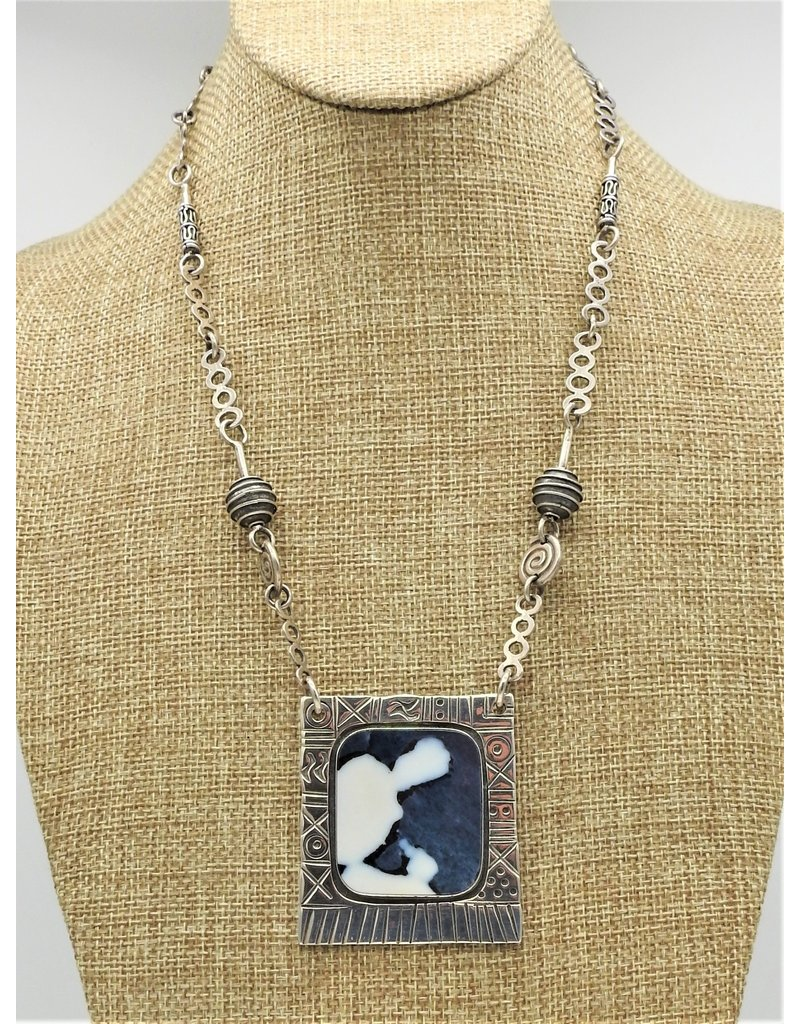 Judy Perlman Sterling Silver, Parral Agate, w/ HM Chain