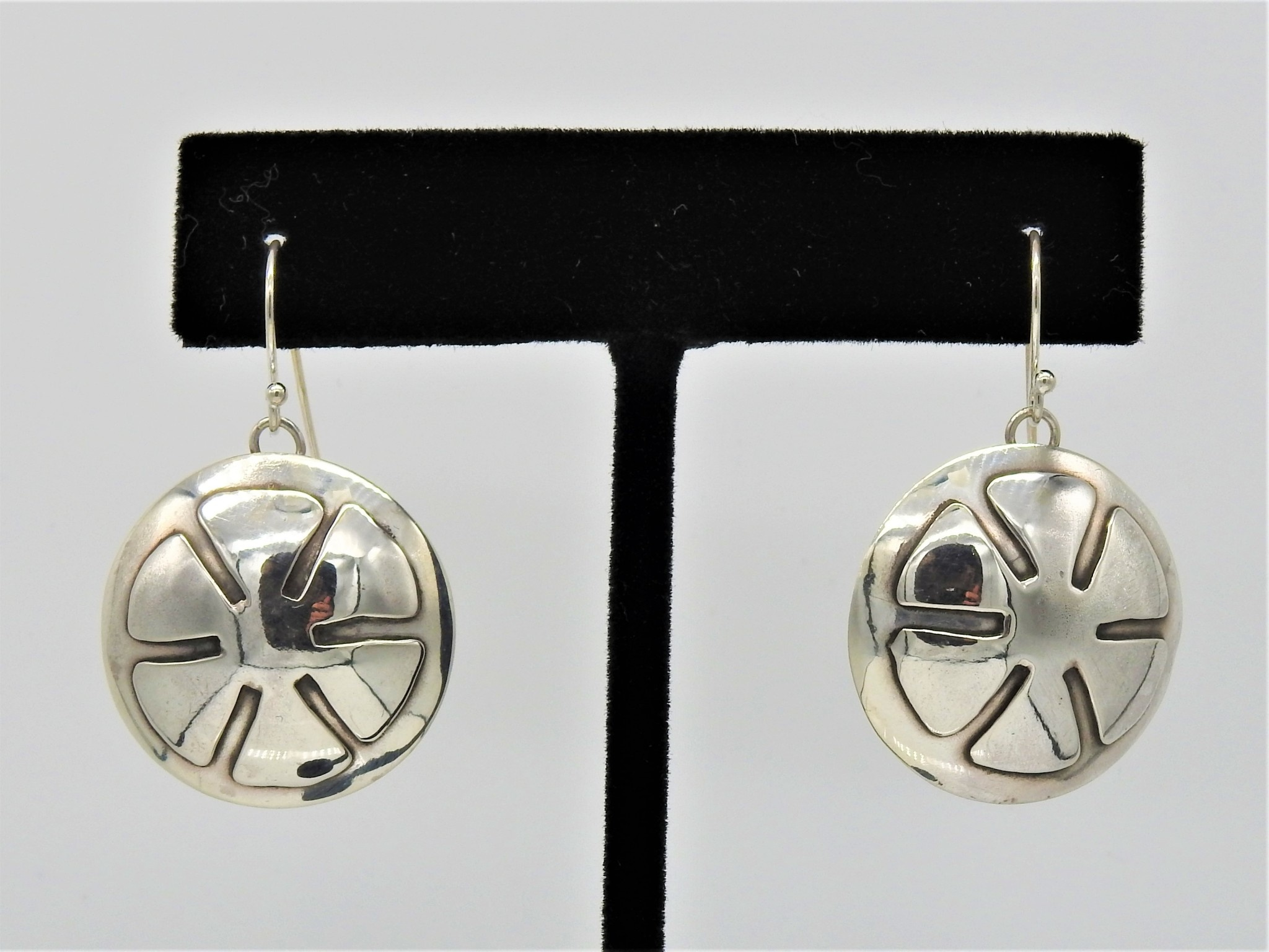 Ray Van Cleve RVCE7C Sterling Silver Flower Overlay Lg.