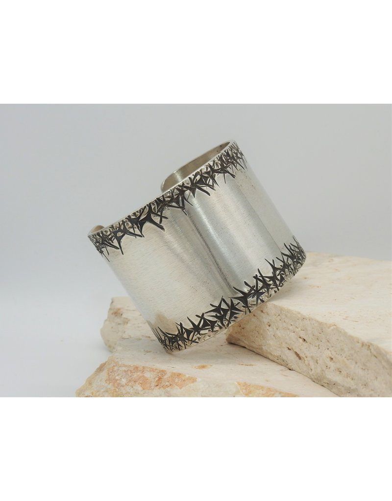 "SW Native American Cuff 2"" Thorns Sterling Sz.6.25"