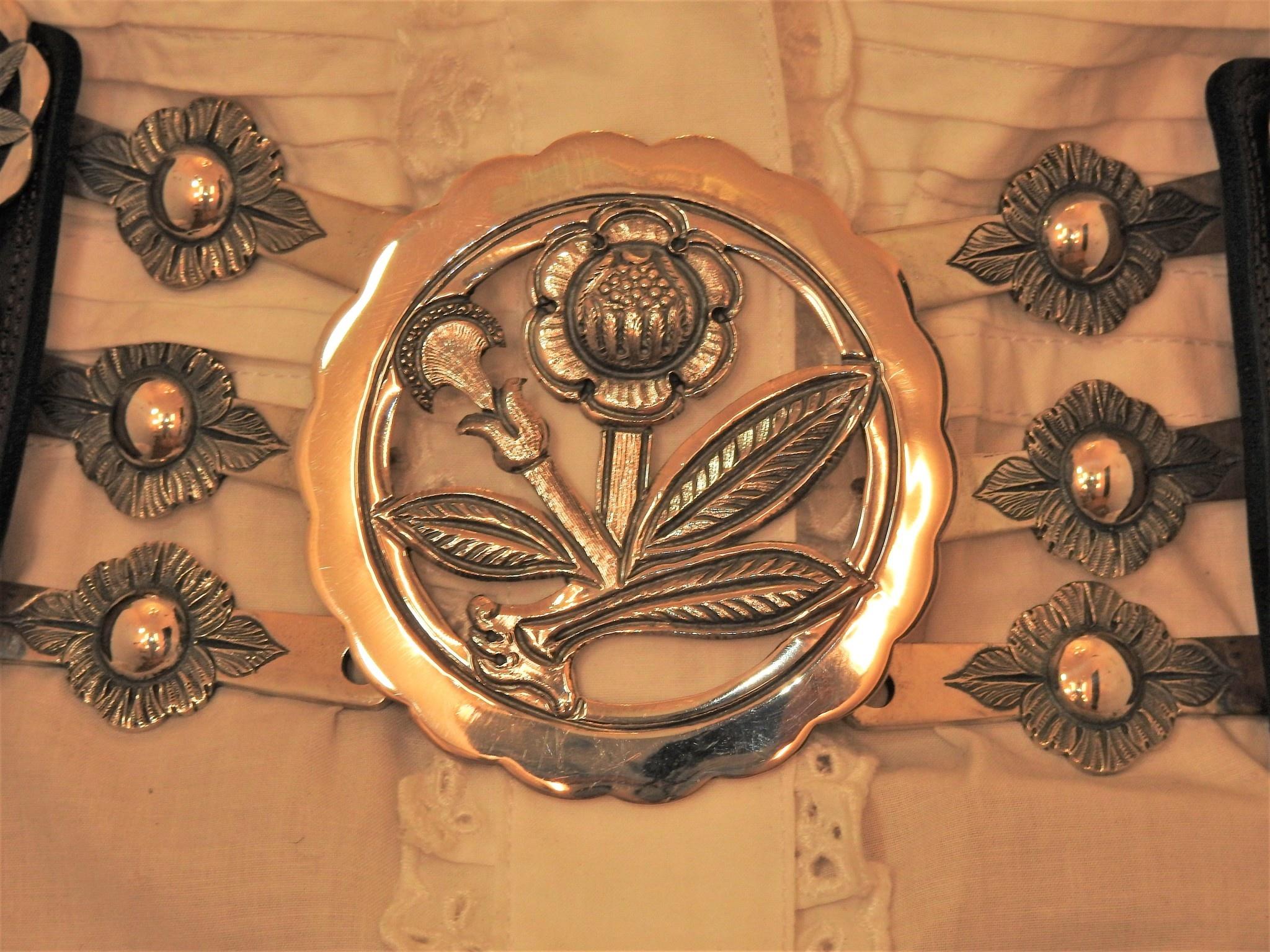 Mariano Draghi MD-C Scissel Flower Buckle, Black Leather Belt