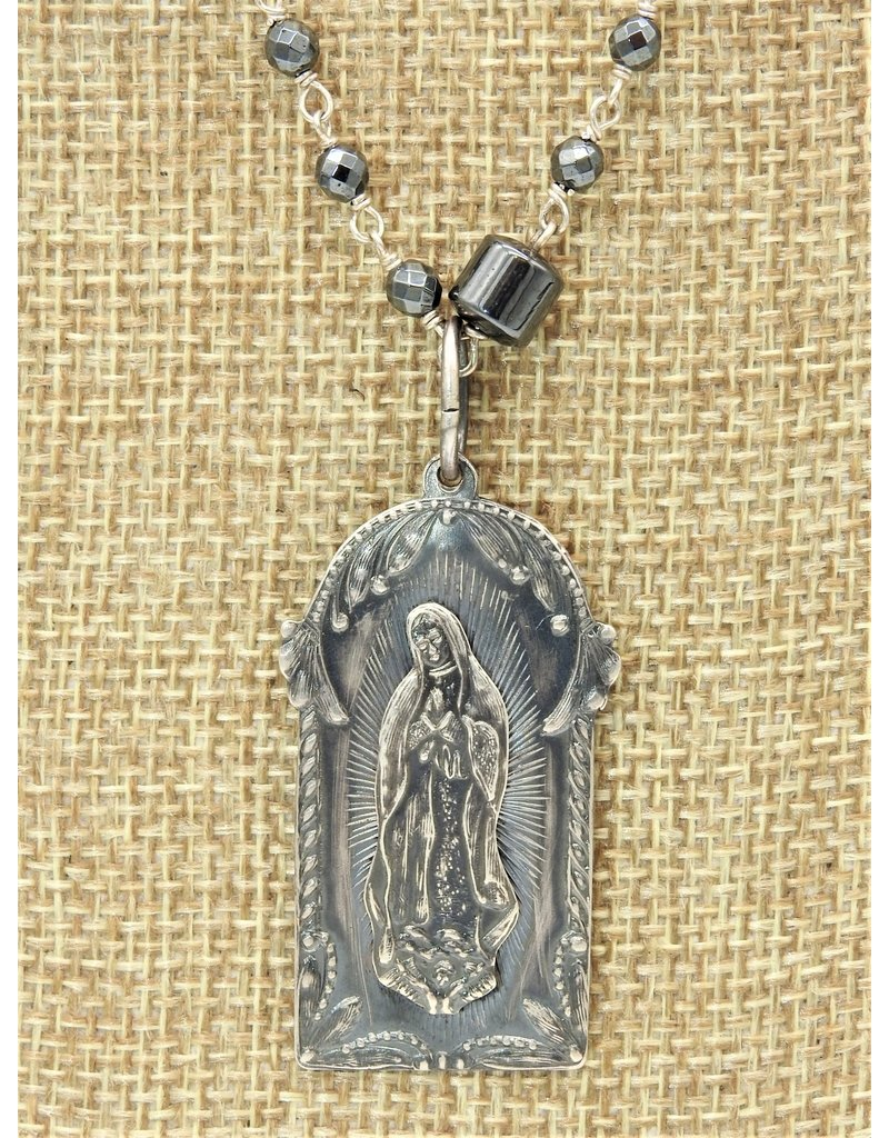 Bliss Rox BR-N104C Guadalupe Patina, Hematite,wire wrap