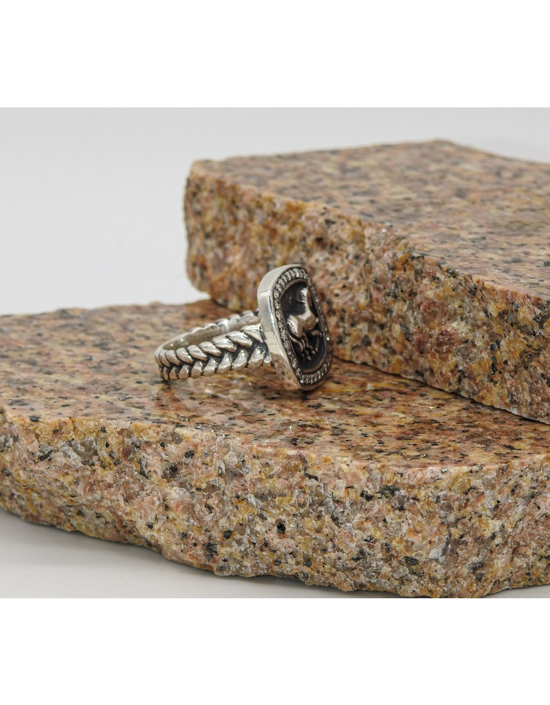 Vincent Peach Finnhorse Diamond Ring