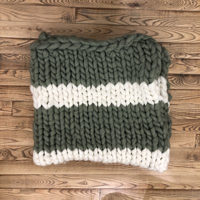 Chunky Knit Throw - Olive & Cream