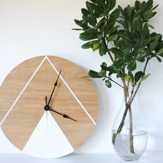 "10"" Double Mountain Clock"
