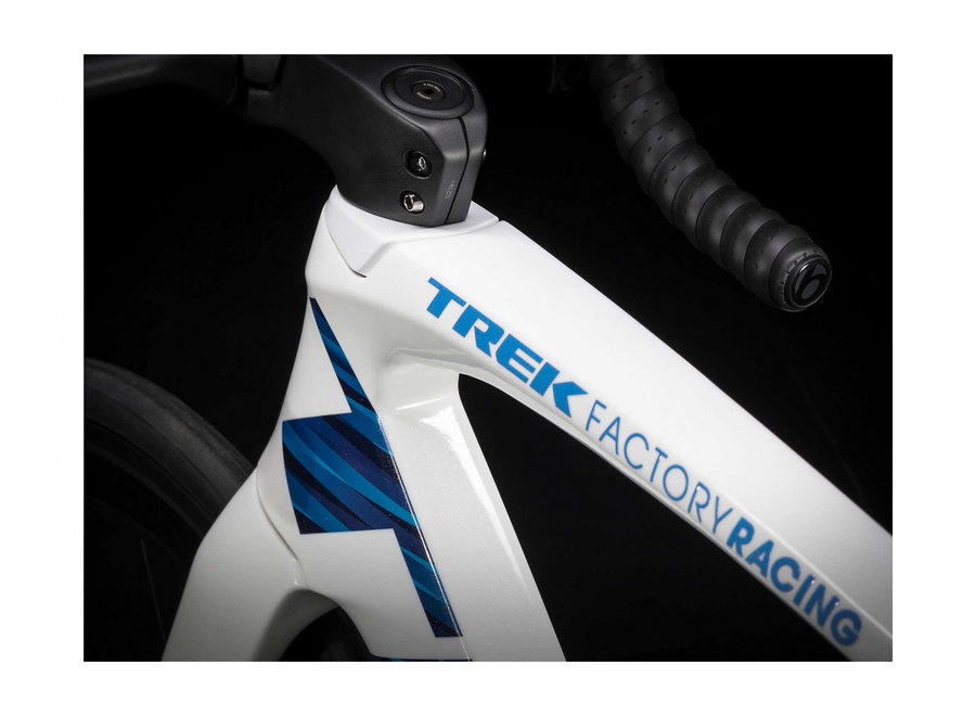 Madone SLR 7 eTap D 54 Voodoo Trek White/Blue