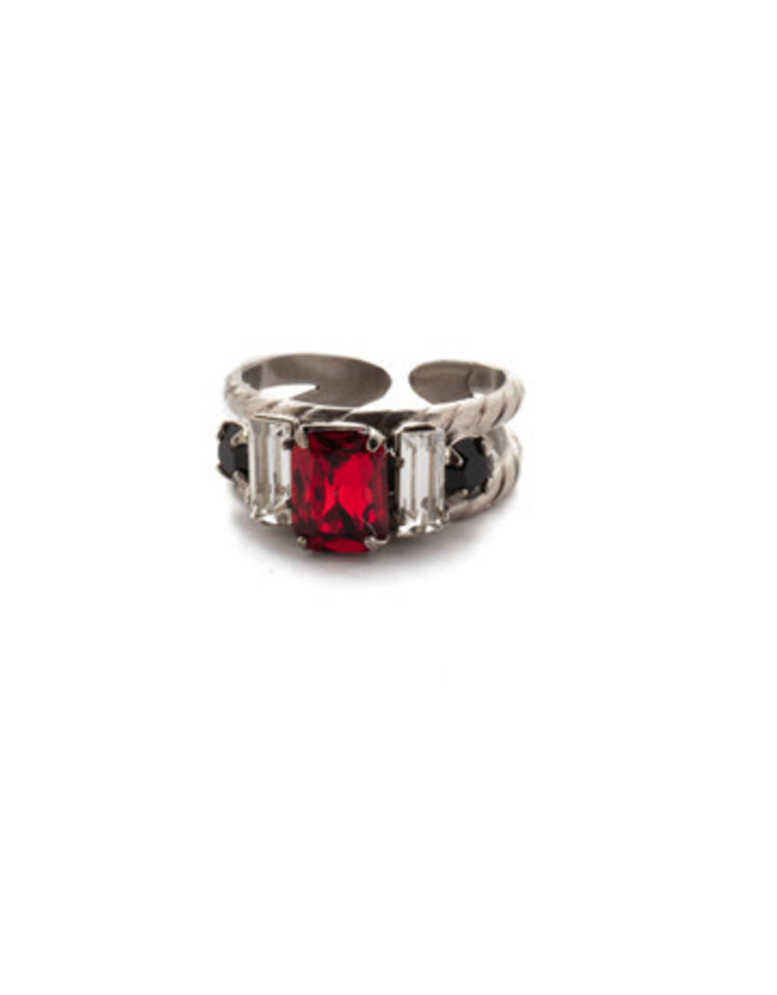 Sorrelli RDG78ASGDAR - Game Day Red Petite Geo Band Ring