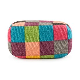 Kikkerland Plaid Travel Case