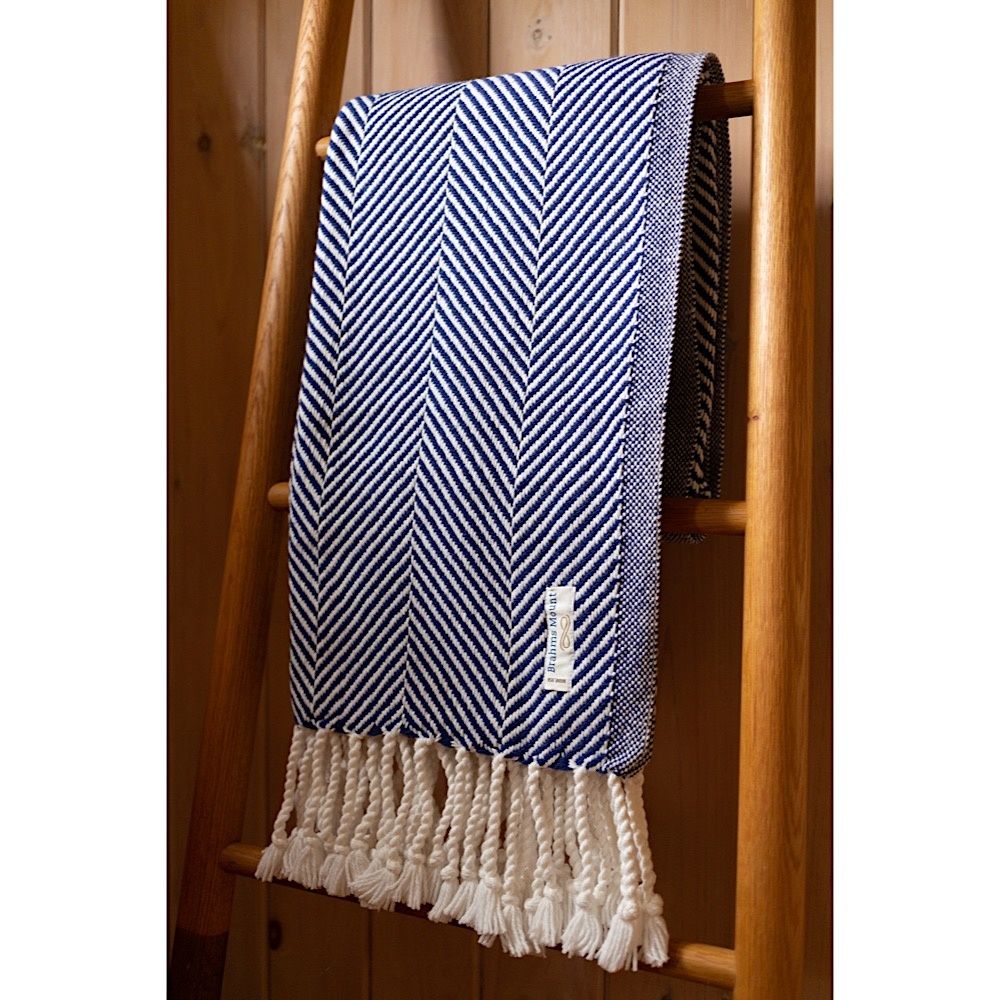 Brahms Mount - Monhegan Cotton Throw  - White & Navy