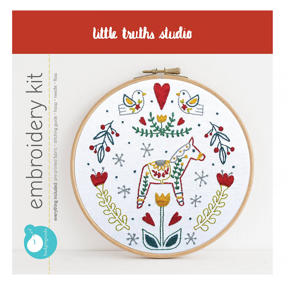 Little Truths Studio - Embroidery Kit -Dala