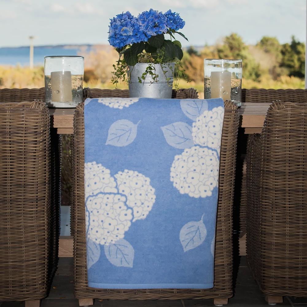Chappywrap Blanket - Blue Hydrangea