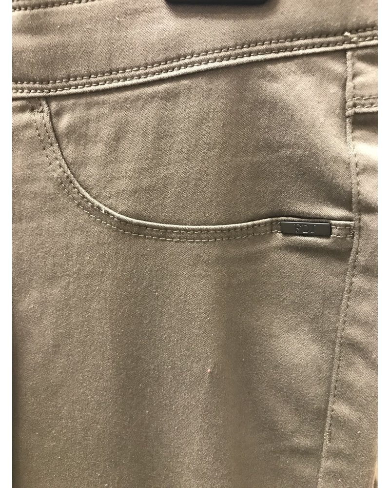 FDJ Pull On Ankle Pant