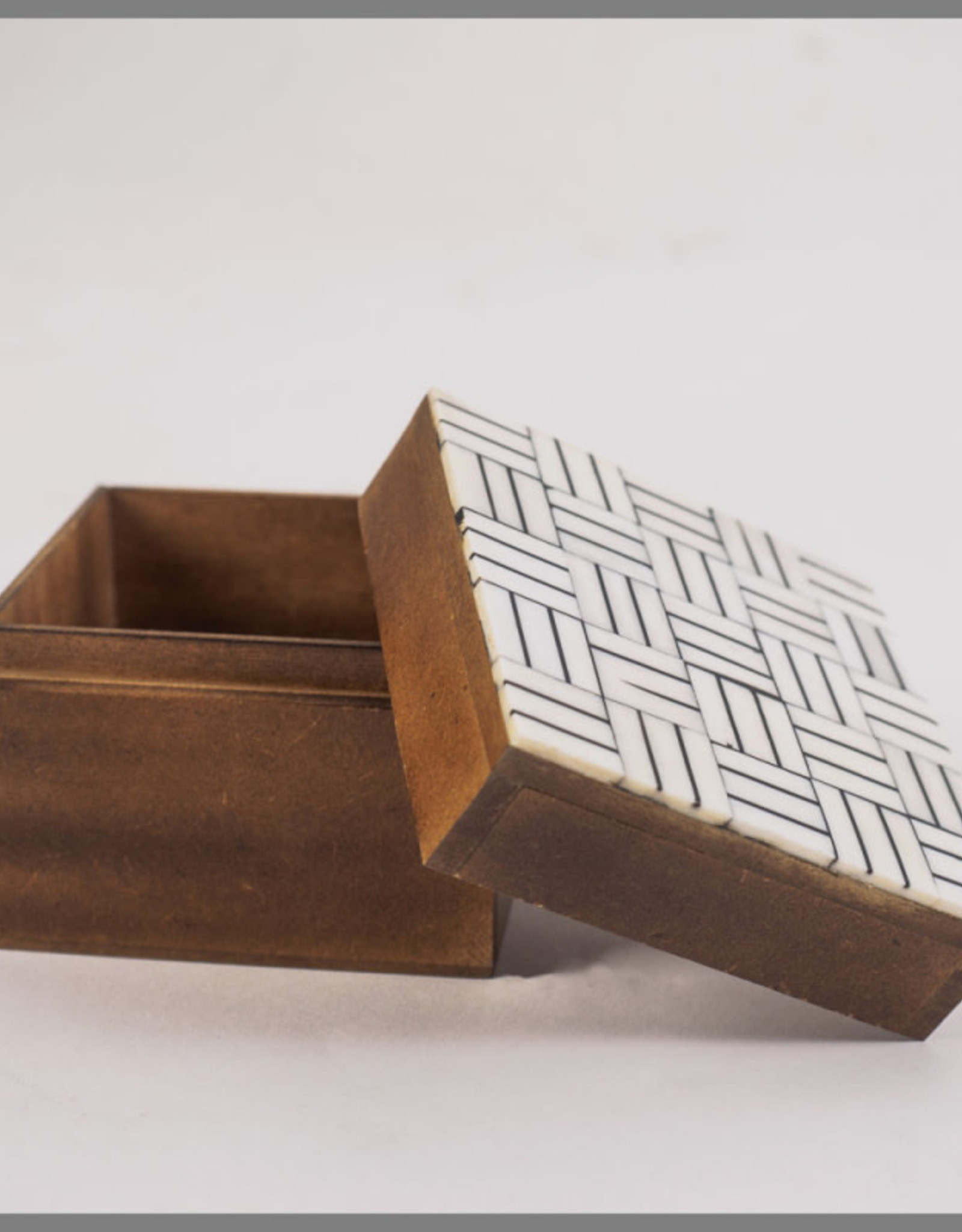 Natural & Black Bone Top Square Box