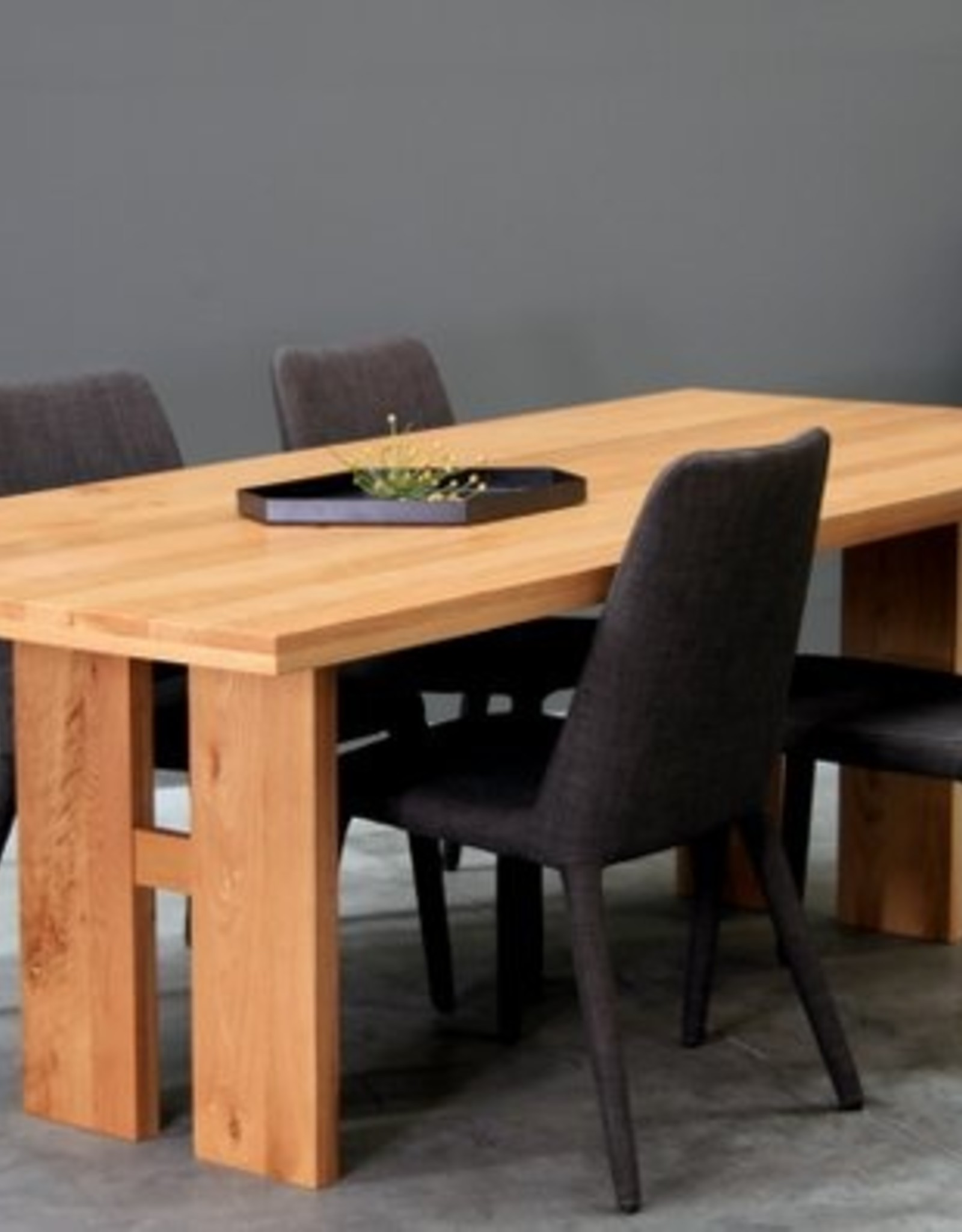 SATARA Delta dining table