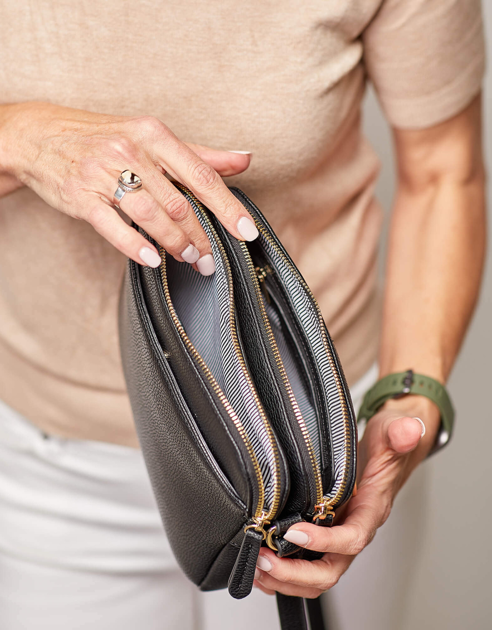 Cici Black Crossbody Bag