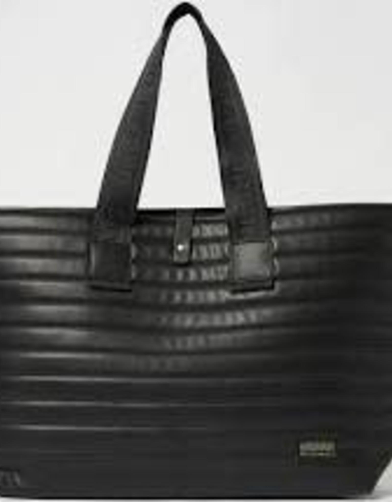 Ciana - Black