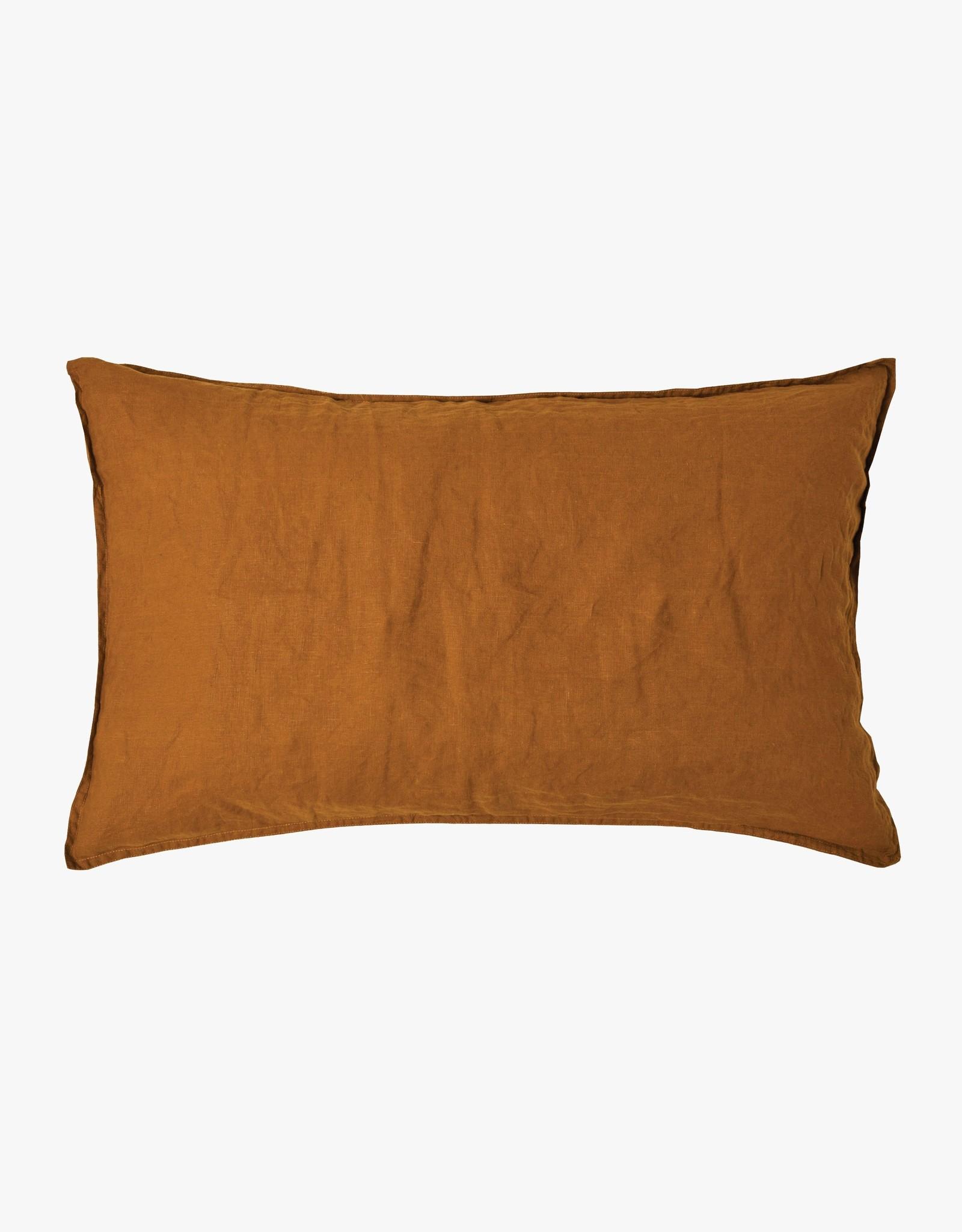 Mondo Tobacco standard pillowcase pair