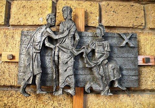 Religious Figures & Plaques